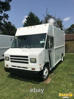 2002 24' International Diesel Food Truck / Loaded Kitchen on Wheels for Sale i