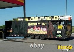 2003 8' x 35' BBQ Concession Trailer with Living Quarters and Bathroom / Barbe