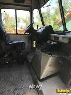 2004 24' Ford Step Van Food Truck with Loaded Commercial Kitchen for Sale in C