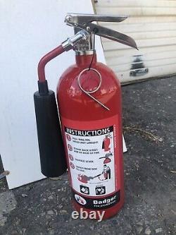 BADGER B5V Fire Extinguisher, 5BC, Carbon Dioxide, 5 lb. FREE SHIPPING