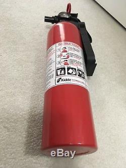 Supreme x Kidde Fire Extinguisher S/S 2015 New Rare box logo tee keychain kiddie