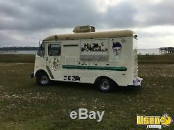 Vintage Restored 1957 19' Grumman Olson Kurbside Shaved Ice / Soft-Serve Truck